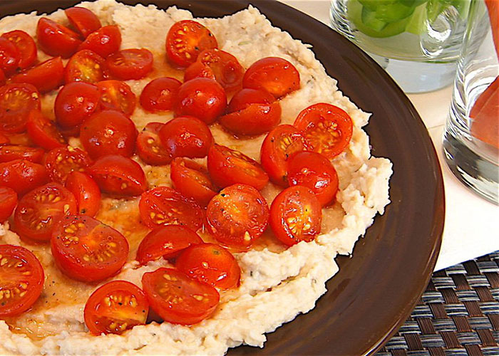 cannelini-bean-dip-with-marinated-tomatoes-700x500-1